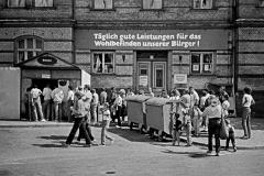 LA 024_DDR_Imbissstand_Stralsund_1986