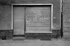 S 025_defekter Rollladen_Berlin_1986