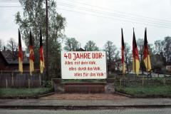 WM-027_Ehrenhain-40-Jahre-DDR_Hartha_1989