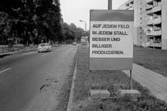 WM-030_Straßenwerbung_Wriezen_1988